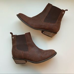 Roxy Leather Ankle Booties